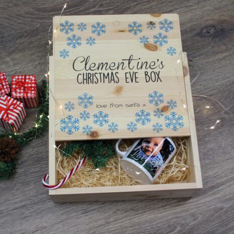 snow-flake-christmas-eve-box-1