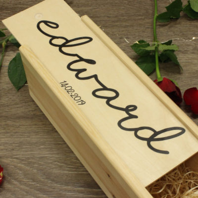 Personalised name date wine box