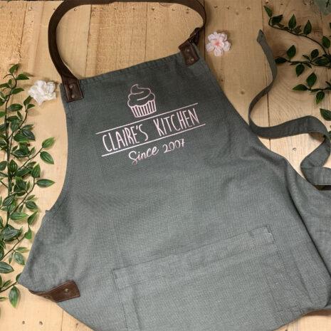 cupcake annex oxford bib apron fm branding gifts